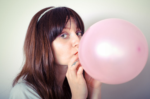 【膨らませるだけ?】風船ダイエットの小顔効果がやばい?やり方と実践者の気になる口コミ