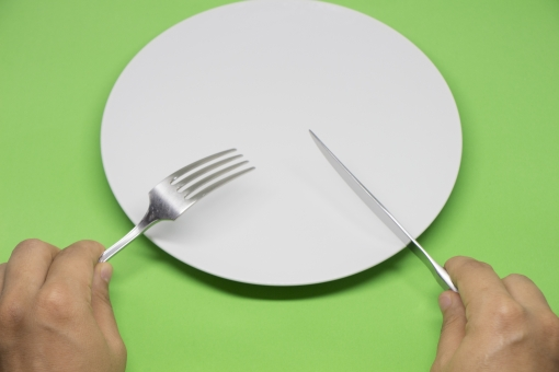 【楽痩せ?】夕食抜きダイエットの効果は抜群で痩せる?そのメリット・デメリットをまとめてみた