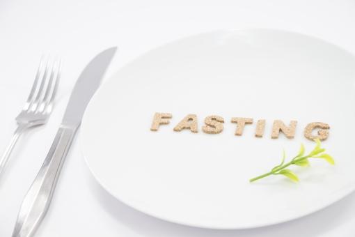 お腹のグゥーッって音で痩せる!有名人もハマってる断食・空腹ダイエットのメリット