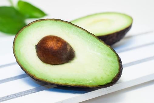 【2週間で-8キロ!?】アボカドの種は最高のダイエット食?その凄い効果とは?