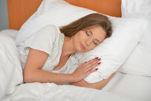 【痩せホルモンを増やす?】寝るだけで痩せるダイエット方法があった?
